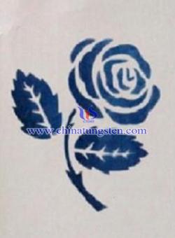 再写纸上的玫瑰花