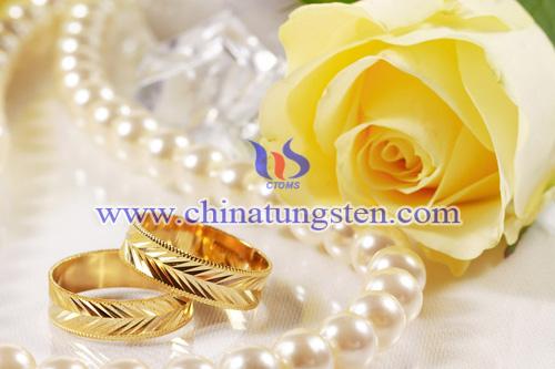 tungsten gold wedding bands