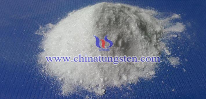 sodium molybdate picture