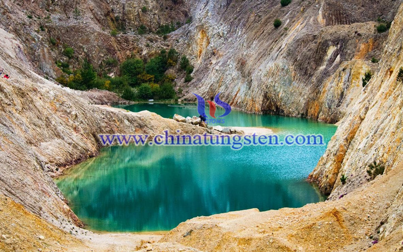 past tungsten mine-Monte Neme turns into a beautiful and toxic lake image