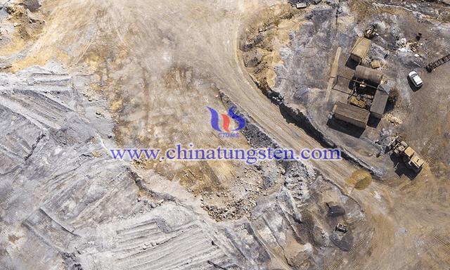 稀土矿图片