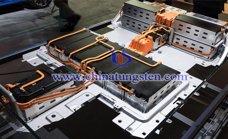 PSA and Saft build for lithium battery plants image