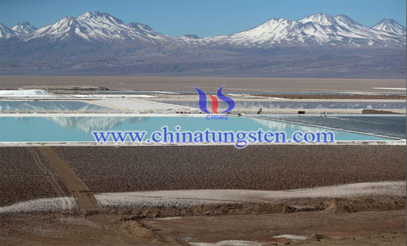 Chilean lithium mining triggers environmental wrestling image