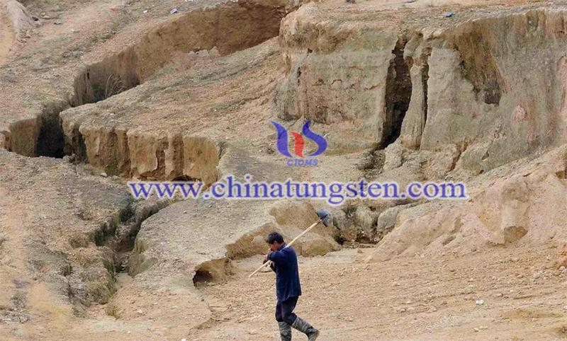 a rare earth mining area in Jiangxi image