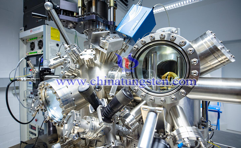 metal atoms arrange themselves on an insulator image