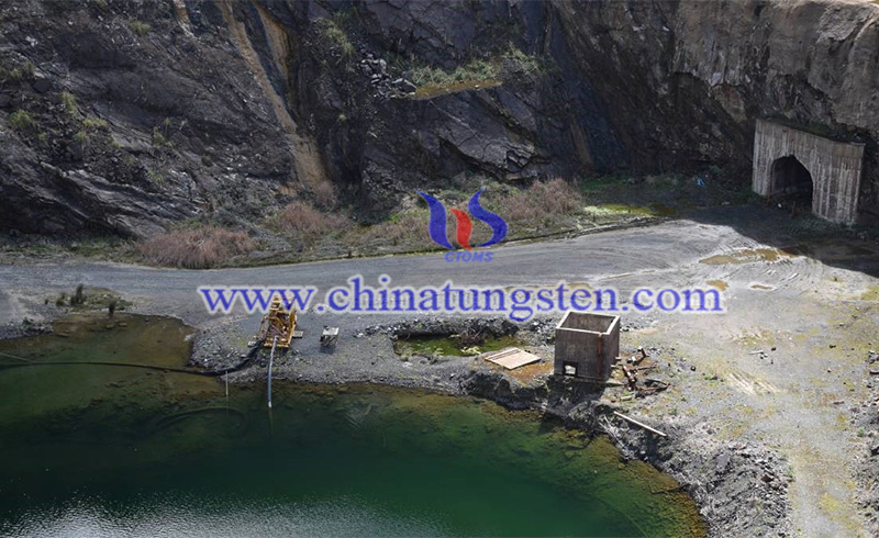 The Dolphin Mine on King Island image