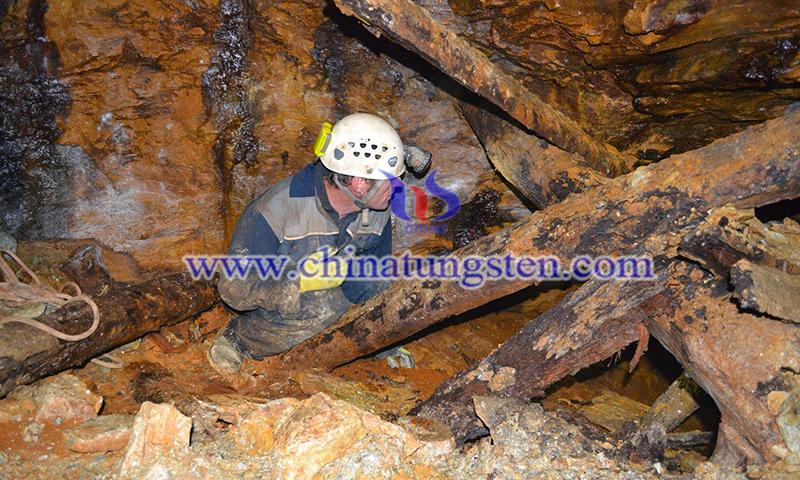 Strategic Minerals Discovered Tin and Tungsten Minerals at Redmoor