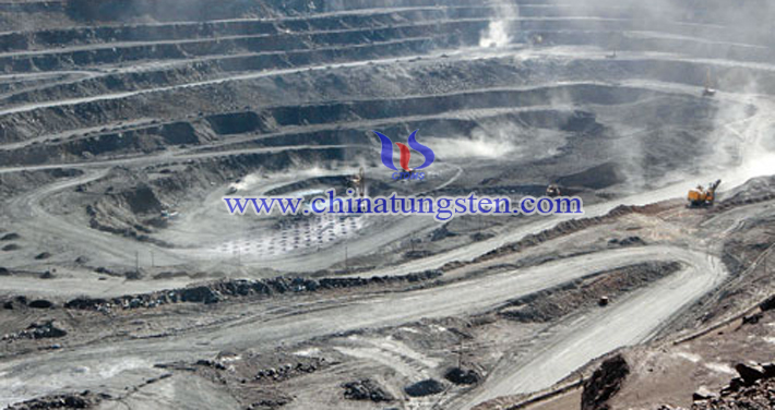 Baotou rare earth mine picture