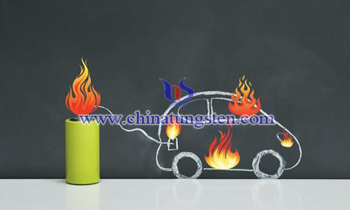 新能源汽車起火圖片